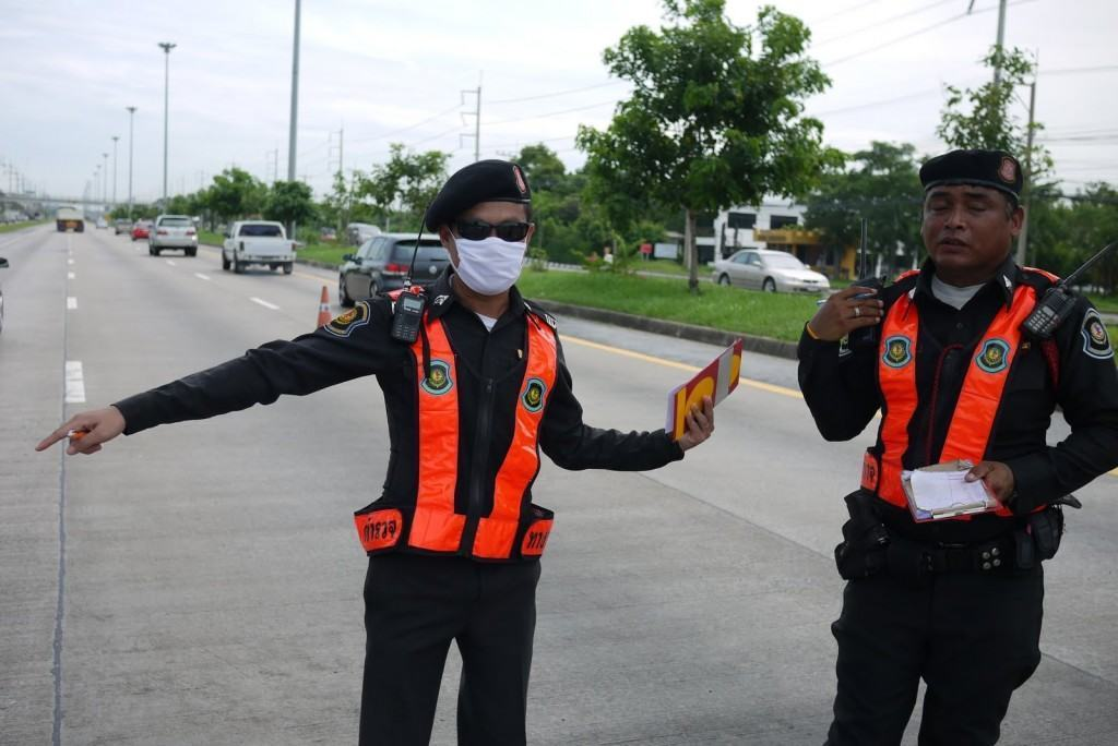 Thai_Police_road-check